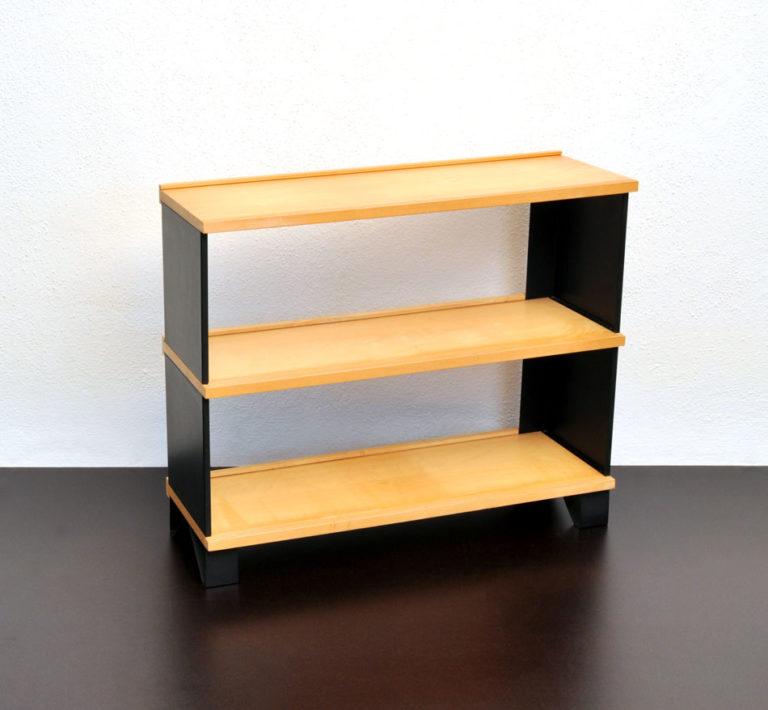 Büchergestell von Reni Trüdinger 2