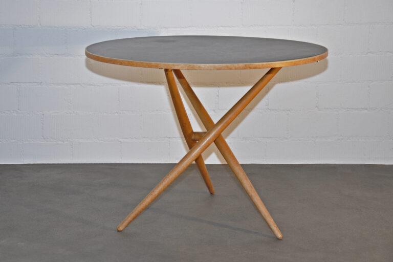 """""""Ess.Tee.Tisch."""" von Jürg Bally"""