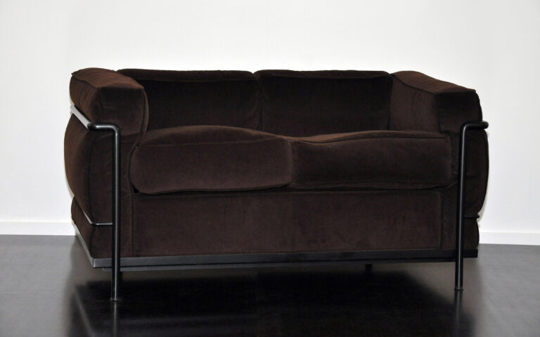 2er Sofa LC2, Cassina