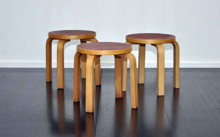3 Hocker Alvar Aalto
